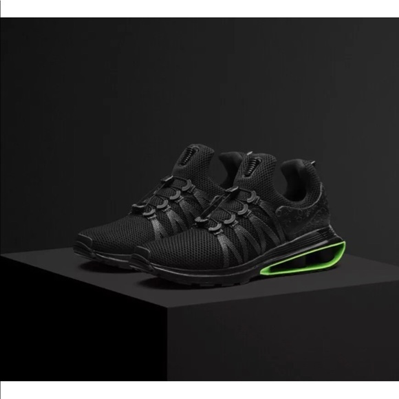 newest 1c7c1 e9de7 Nike Shox Gravity Luxe NWT Black-Green Strike Men